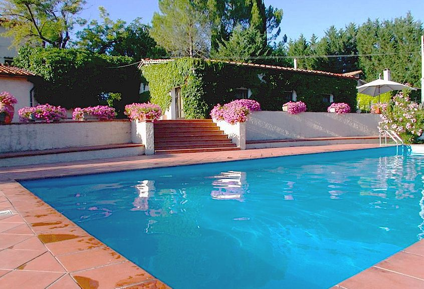 Agriturismo Bardeggiano holiday apartments near Colle di Val d'Elsa, Tuscany