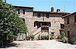 Country holiday apartments within 10 minutes walk of Greve in Chianti