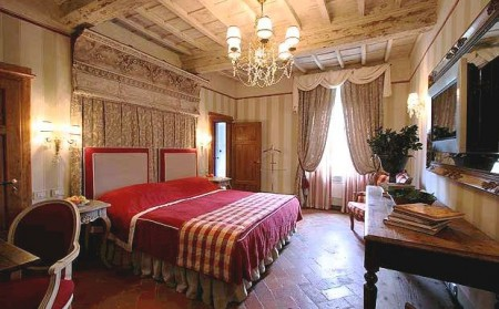 luxury vacation villa hotel in Chianti