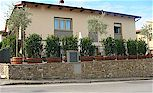 Town apartments for 2 up to 6 persons in Greve in Chianti, mear the bus stop for Florence