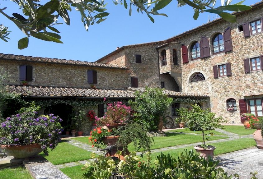 Villa Le Torri Country apartments near San Casciano and Forence